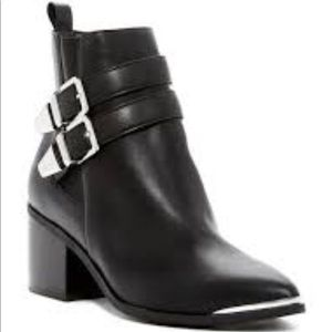 Melrose and Market black booties